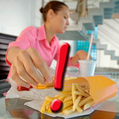 Why-Eating-At-Your-Work-Desk-Is-Not-Good-healthy-eating