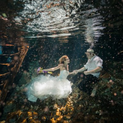 6  Craziest Places People Have Got Married