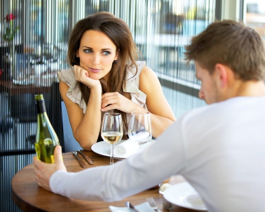 5 Things To Avoid On A First Date