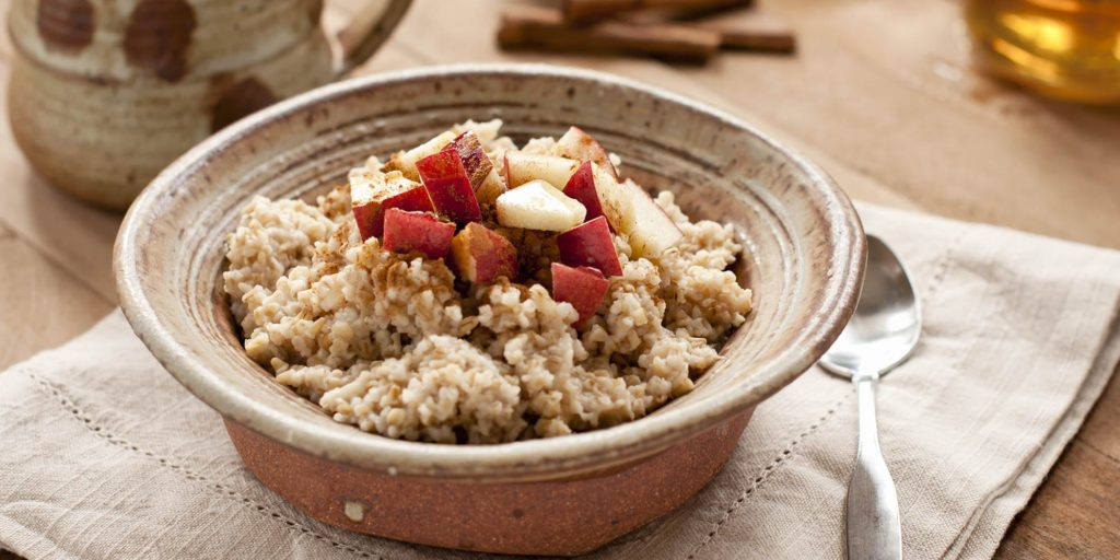 Healthy Food: Apple Cinnamon Oatmeal Recipe